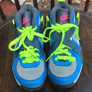 Nike air raid sneakers multicolored 4.5 youth EUC
